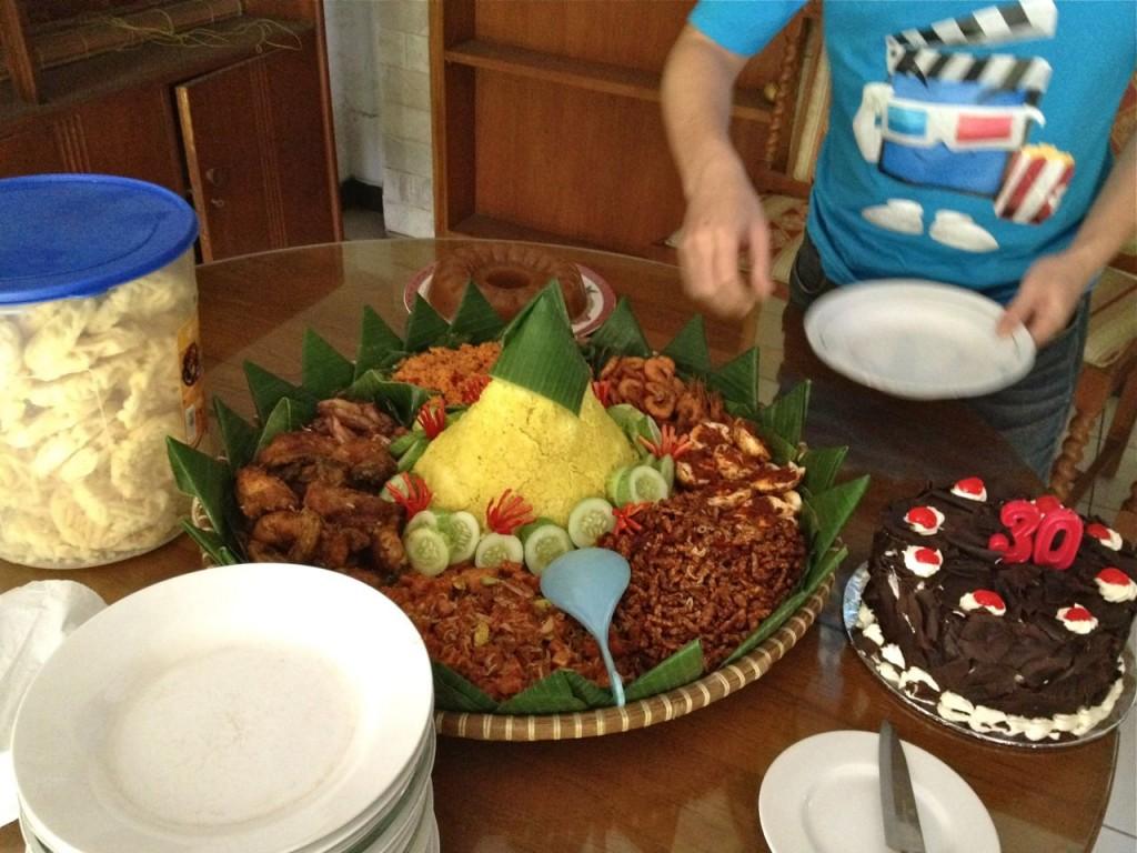 Birthday Cake & Tumpeng